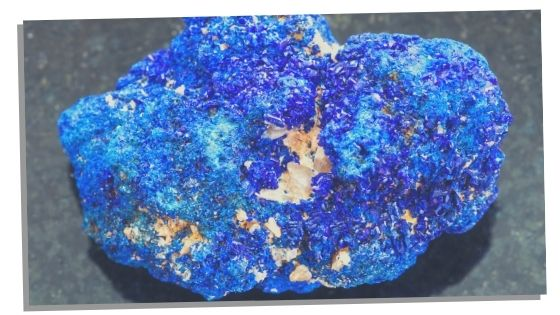 Azurite crystal to increase spiritual abilities