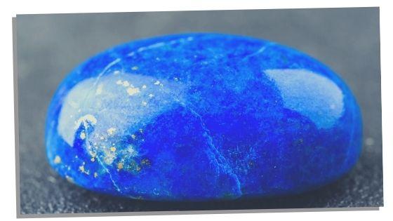 Lapis Lazuli for balancing the crown chakra