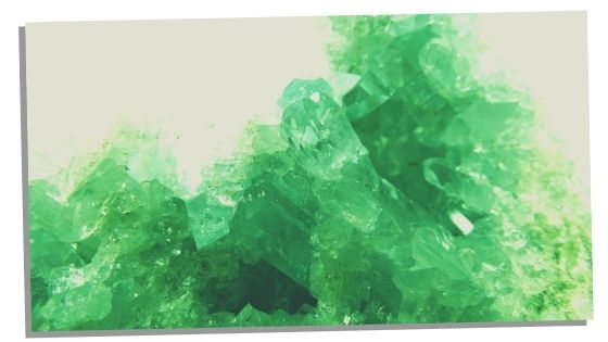 Manifest love with an Emerald