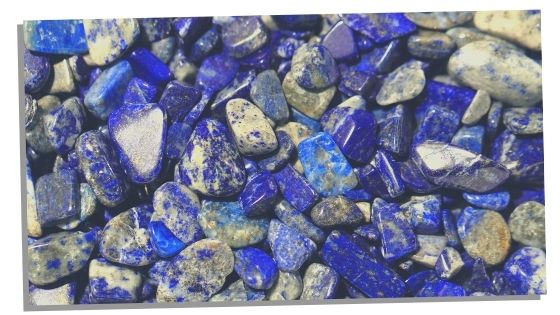 Picture of Lapis Lazuli used for love and romance manifestation