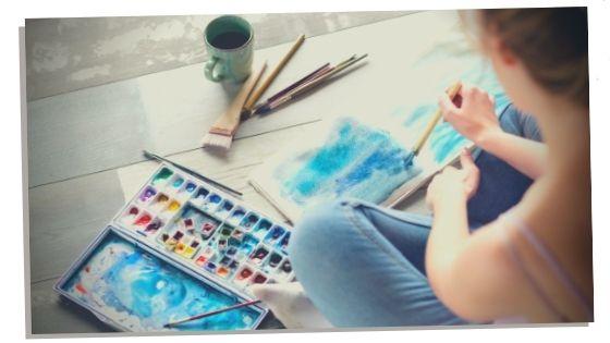 Blue calcite enhancing a woman's creativity