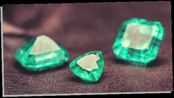 A few pieces of Emerald